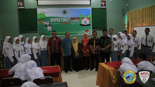 Inspektorat Goes To School